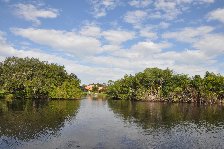 Image 5 For 609 Hidden River Drive Se