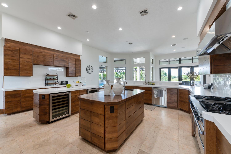 Wellington, Florida 33414, 6 Bedrooms Bedrooms, ,6 BathroomsBathrooms,Residential,For Sale,Sunnyland,RX-10667858