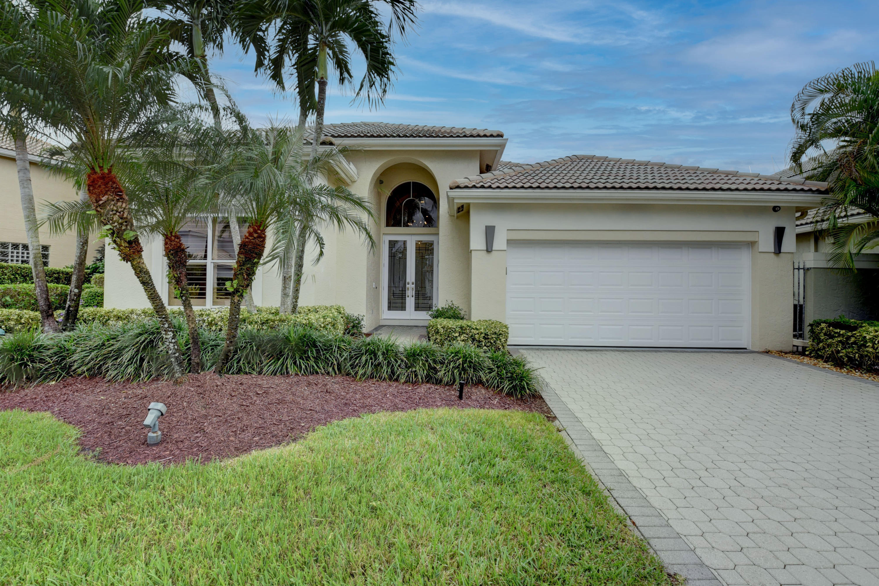 5653 NW Regency Circle  For Sale 10668331, FL