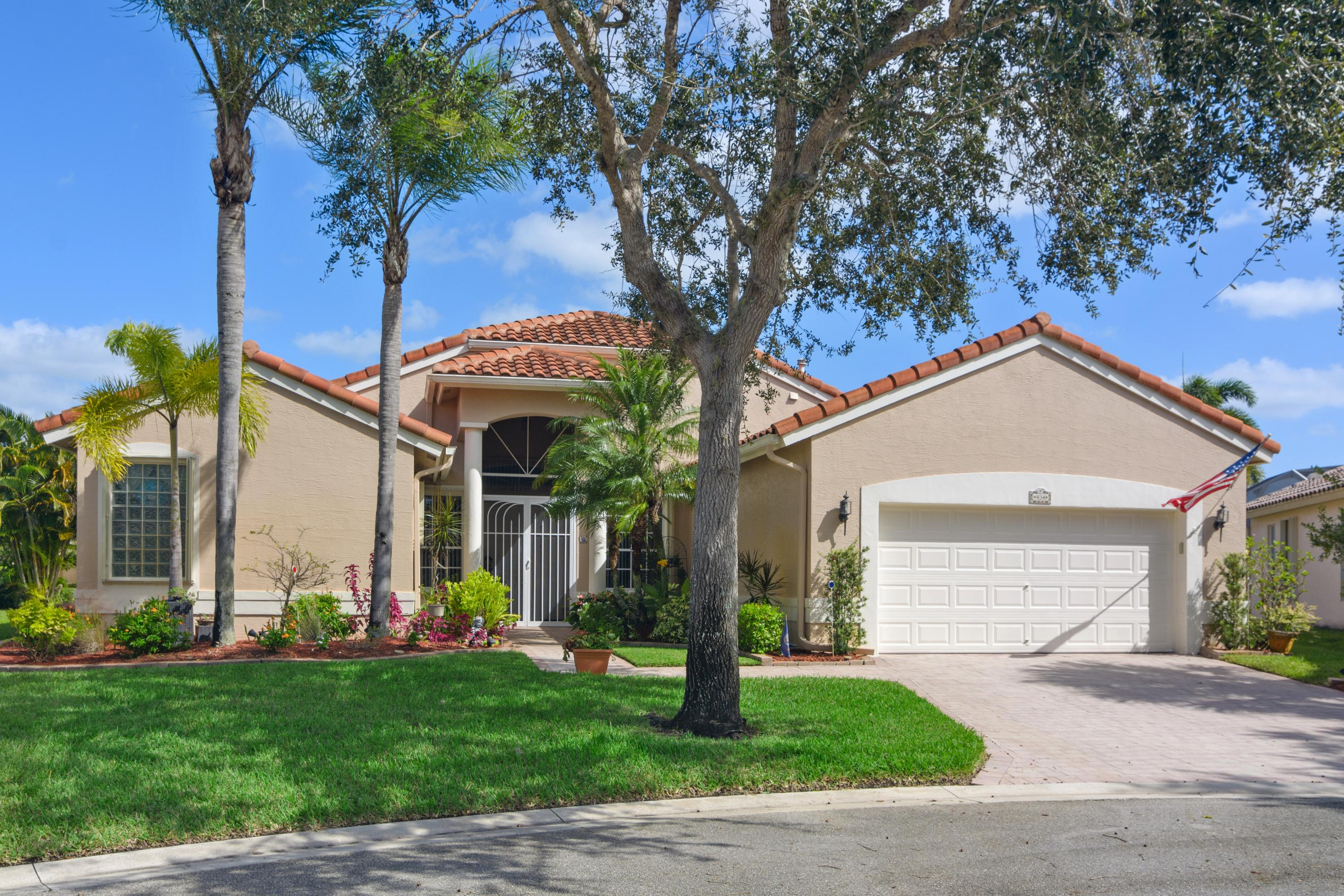 Photo of 434 NW Cool Water Court, Port Saint Lucie, FL 34986
