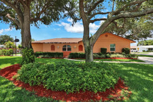 8230 Pine Tree Lane, Lake Clarke Shores, FL 33406
