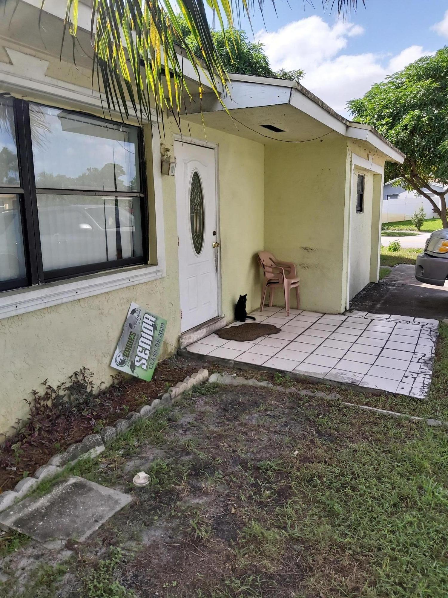 2020 SW 13th Street Street  For Sale 10670177, FL