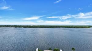 100 Lakeshore Drive, 1052, North Palm Beach, FL 33408