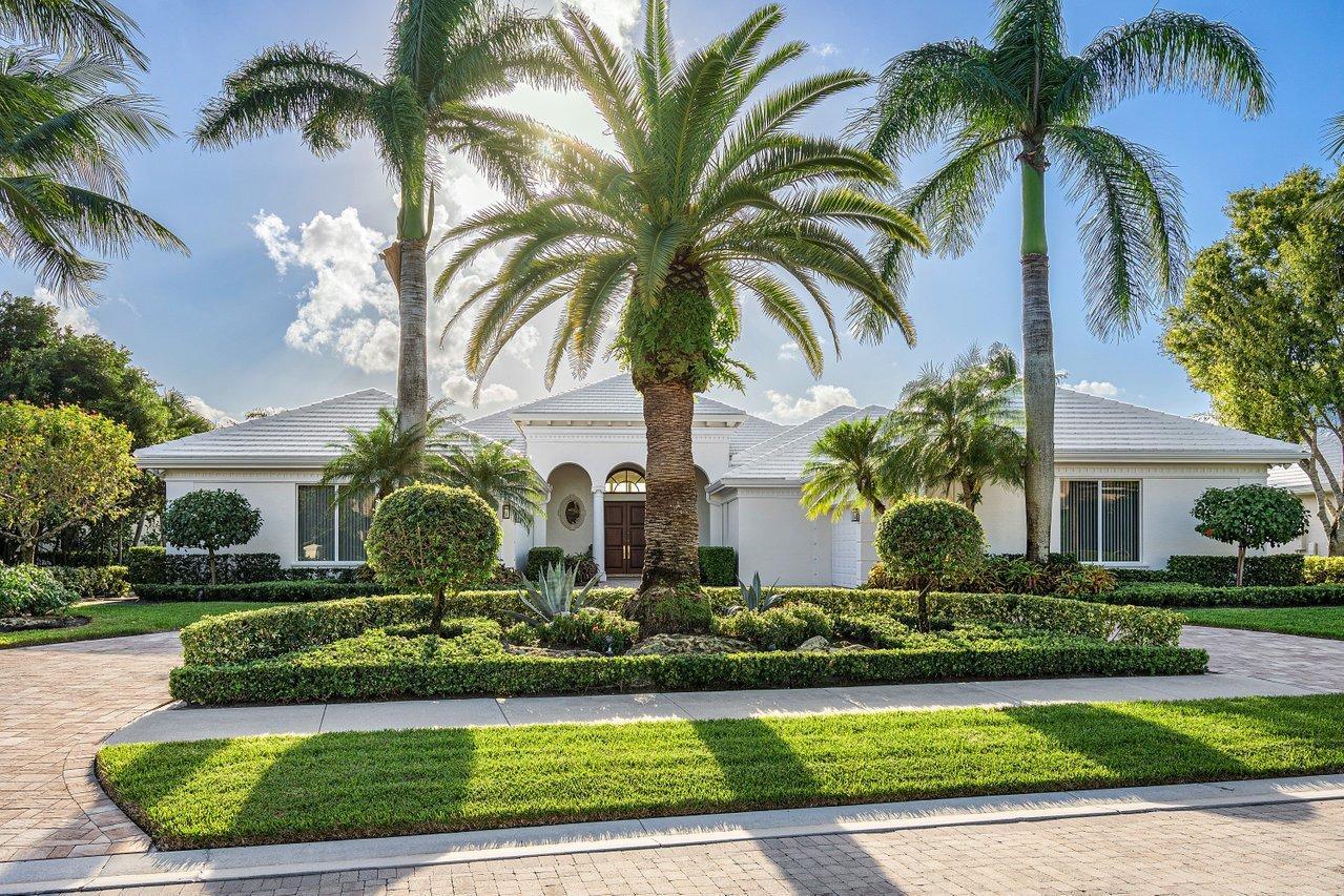 223  Grand Pointe Drive  For Sale 10669466, FL