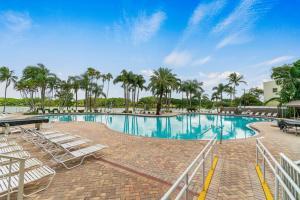 20931 Via Azalea Boca Raton FL 33428