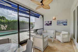 2114 Nw 60th Circle Boca Raton FL 33496