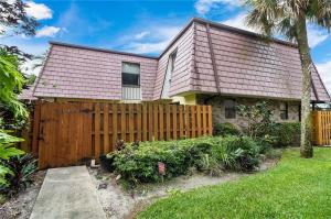 7635 Courtyard Run W Boca Raton FL 33433