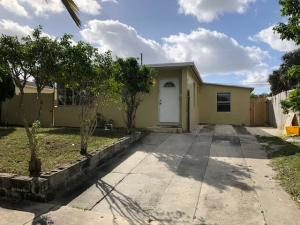 924 38th Street, West Palm Beach, FL 33407