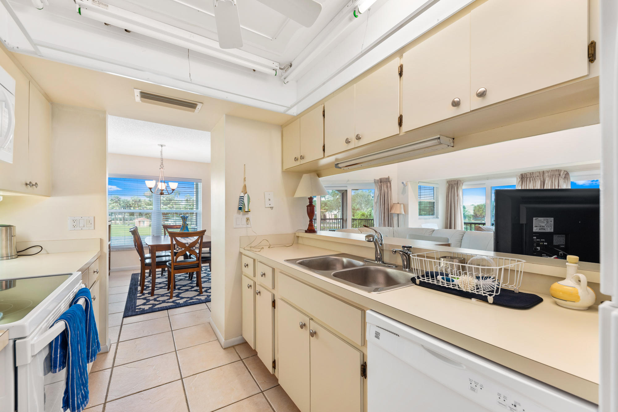Image 16 For 336 Golfview Circle Ne Unit 9-336