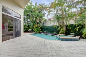 6552 Somerset Circle Boca Raton FL 33496