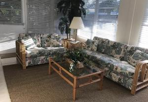 27 Pinehurst Lane Boca Raton FL 33431