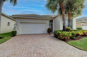 136 Palm Circle, Atlantis, FL 33462