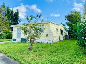 4198 Mockingbird Drive Boynton Beach FL 33436