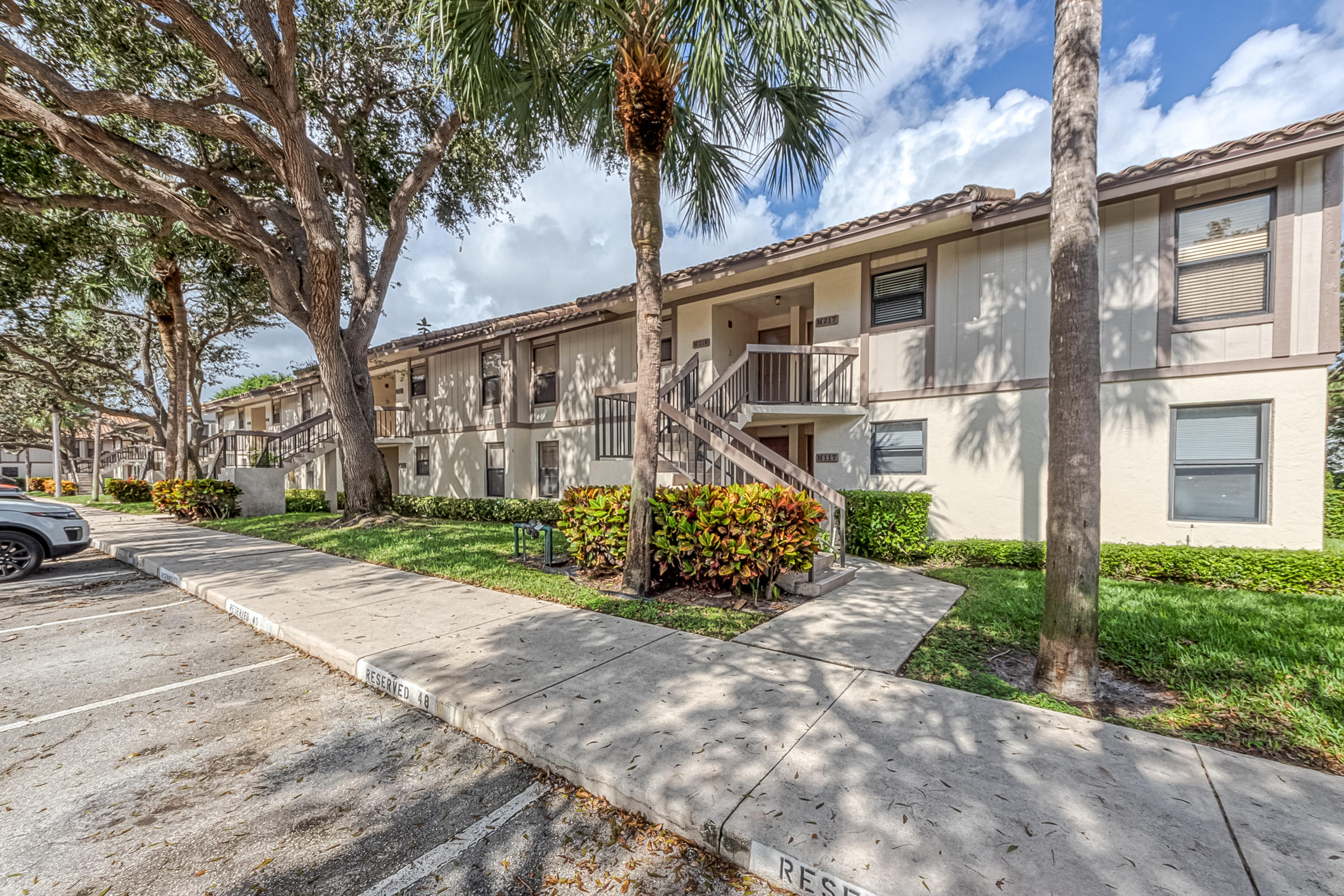 GREAT FOR AN INVESTMENT OR RENOVATE FOR YOURSELF!!  A/C ONLY 1 YEAR OLD.GATED COMMUNITY IN BOCA RATON.  CLOSE TO FAU, MIZNER PARK AND BEACHES.  THIS PROPERTY CAN BE LEASED RIGHT AWAY WITH NO WAITING PERIOD. 2 PETS ALLOWED UP TO 40 LBS TOTAL , ALL AGES,  CALL DARLENE FOR MORE DETAILS