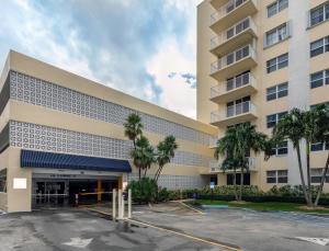 3540 S Ocean Boulevard, 809, South Palm Beach, FL 33480