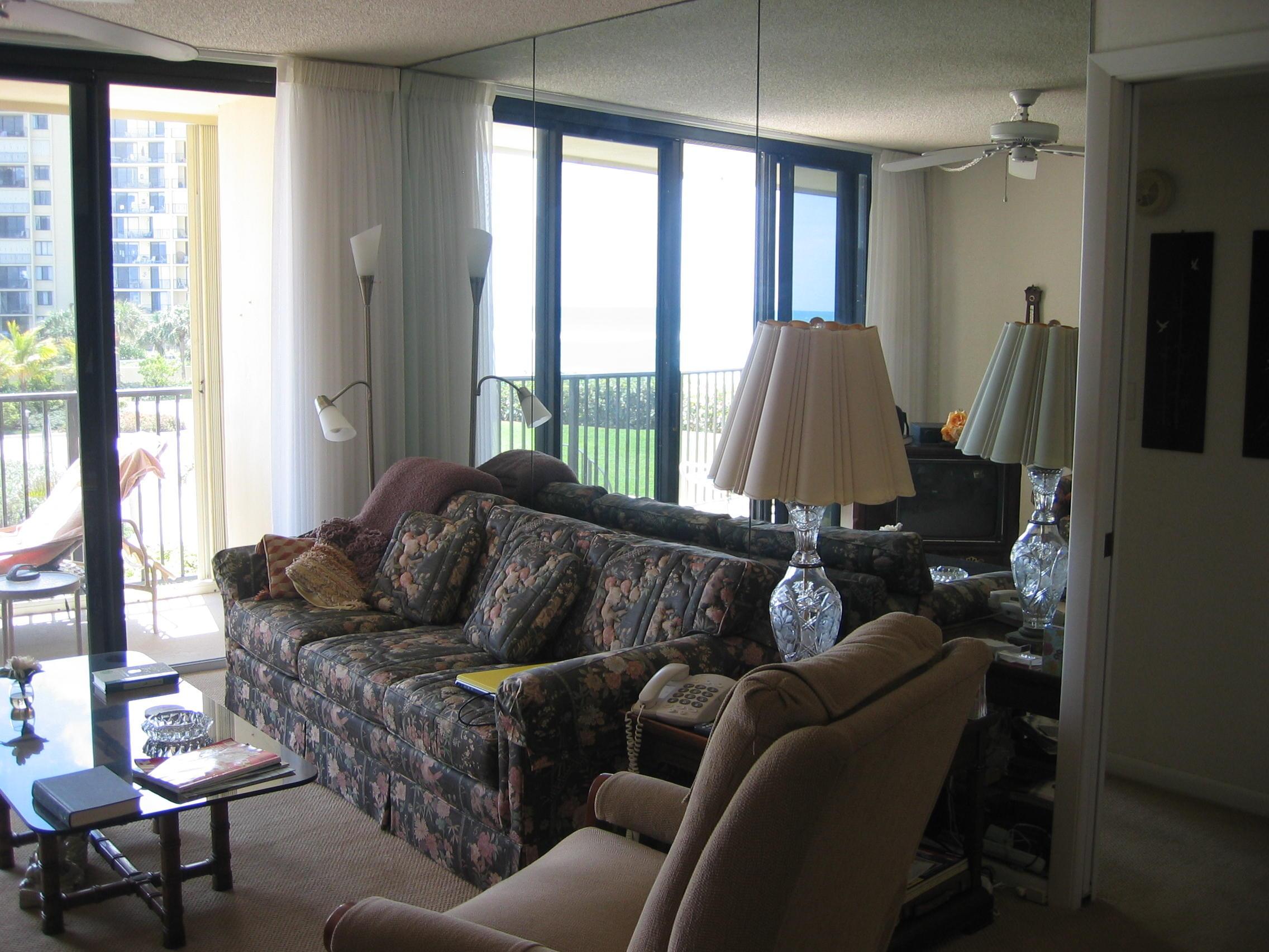 Kellogg Living Room