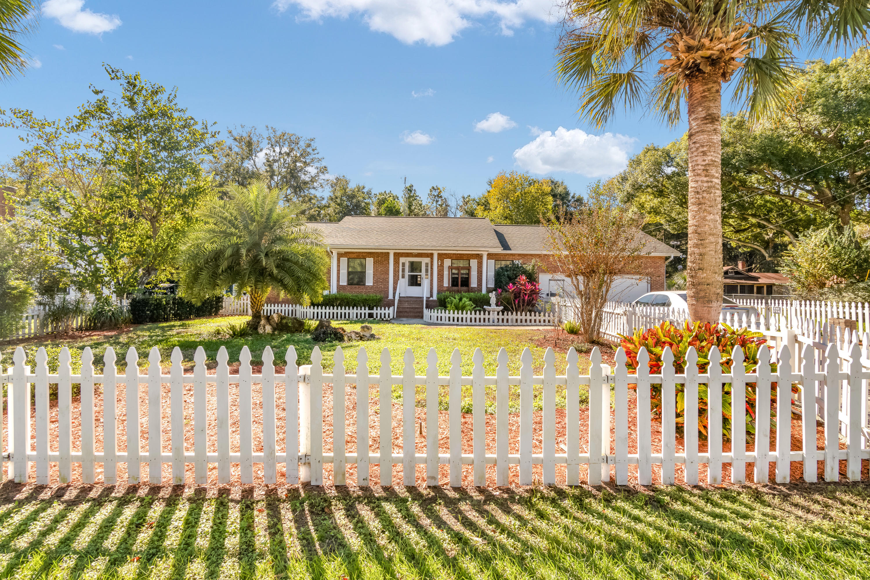 Home for sale in Danzers Weirsdale Florida