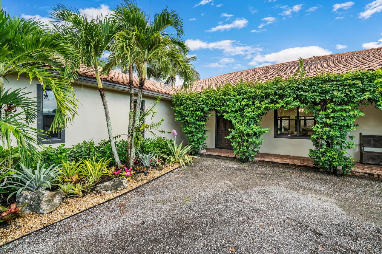 Wellington, Florida 33449, 4 Bedrooms Bedrooms, ,3 BathroomsBathrooms,Rental,For Rent,60th,RX-10672852