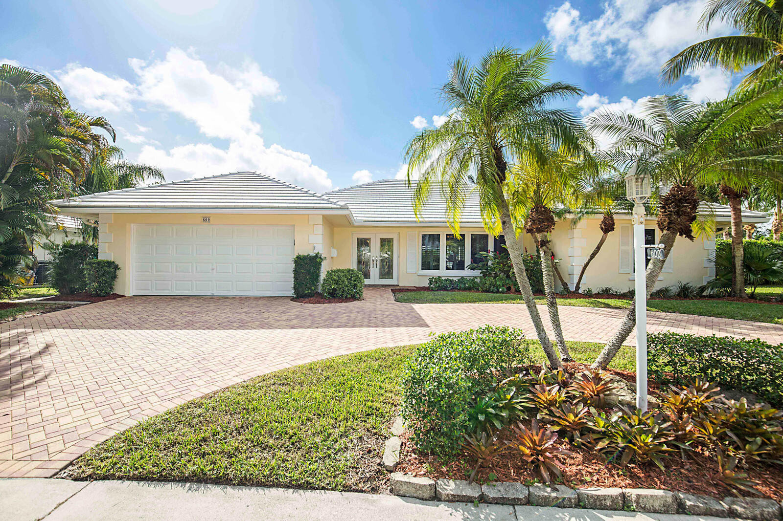 800 Holly Lane Boca Raton, FL 33486