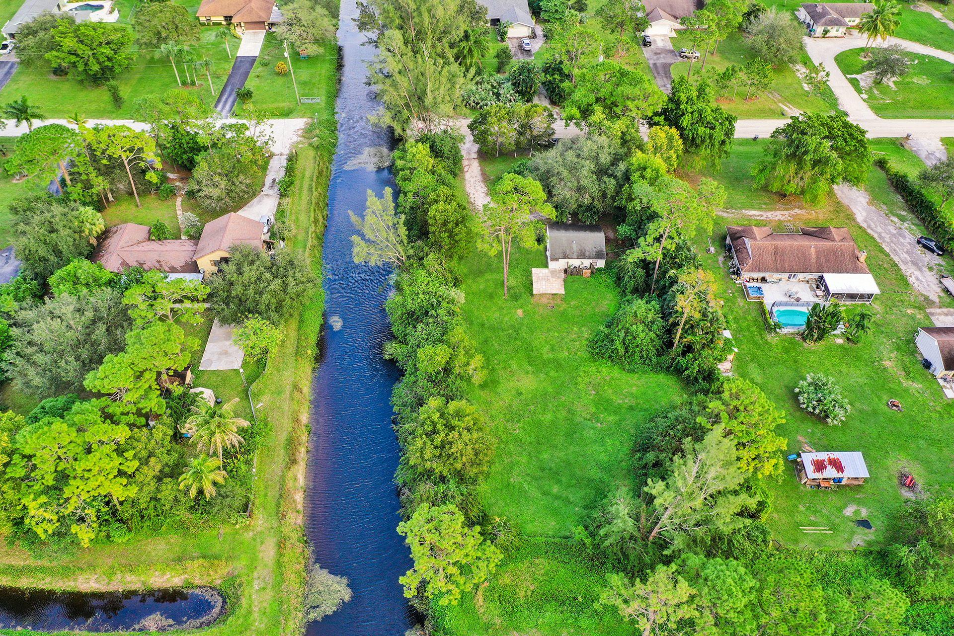 4181  126th Drive  For Sale 10673421, FL