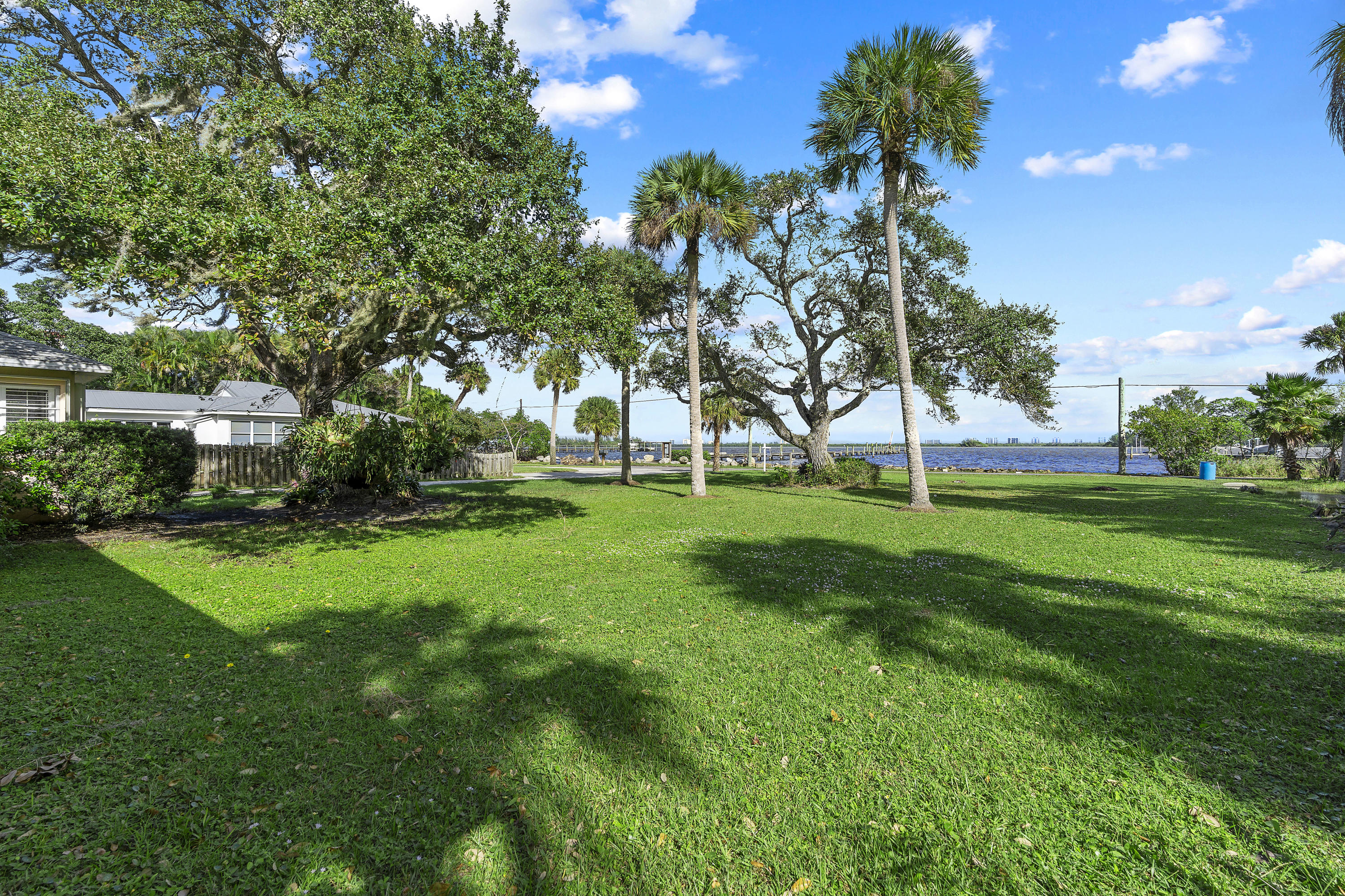 Image 48 For 2701 Indian River Drive N