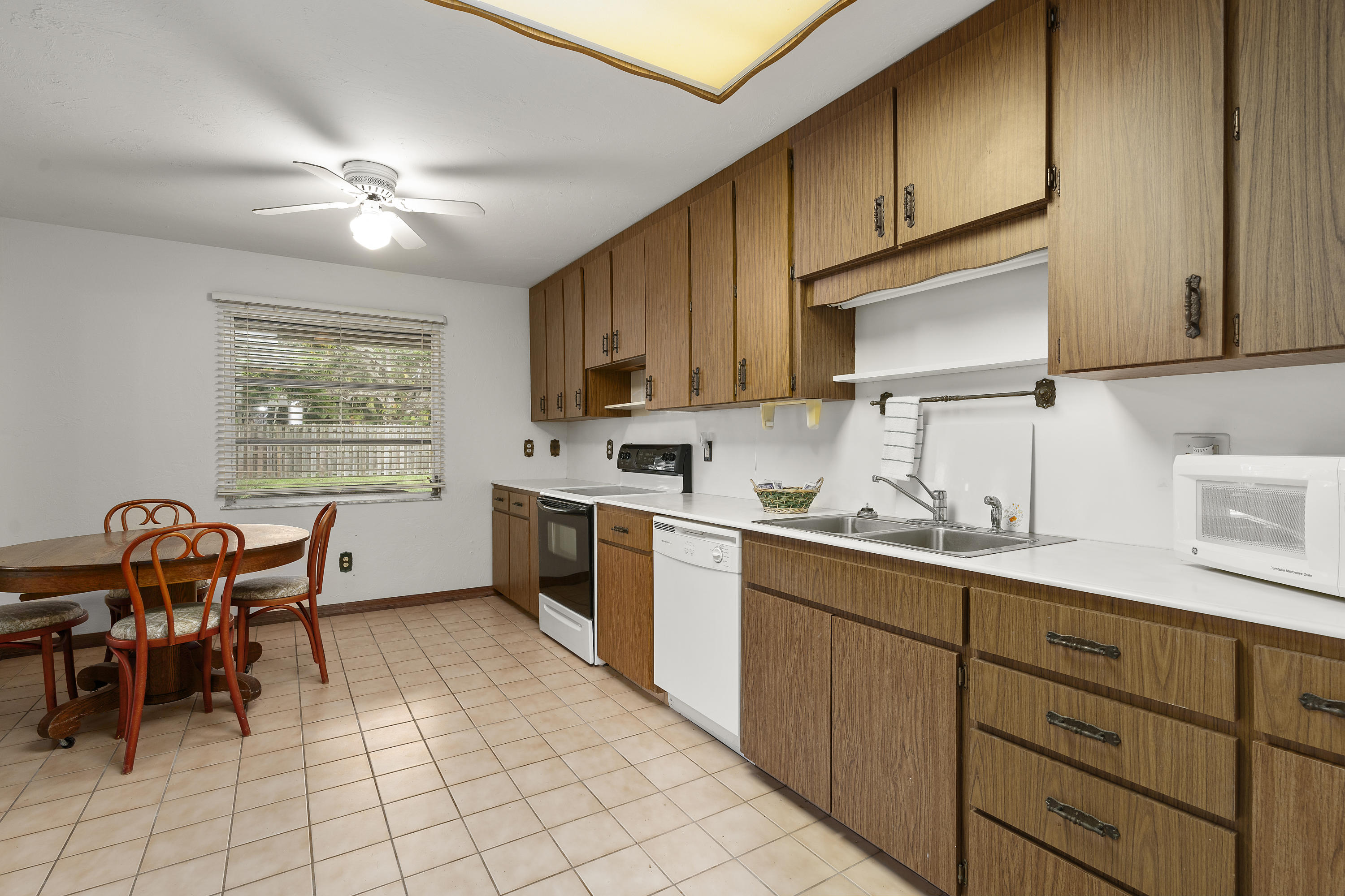 Image 38 For 2701 Indian River Drive N