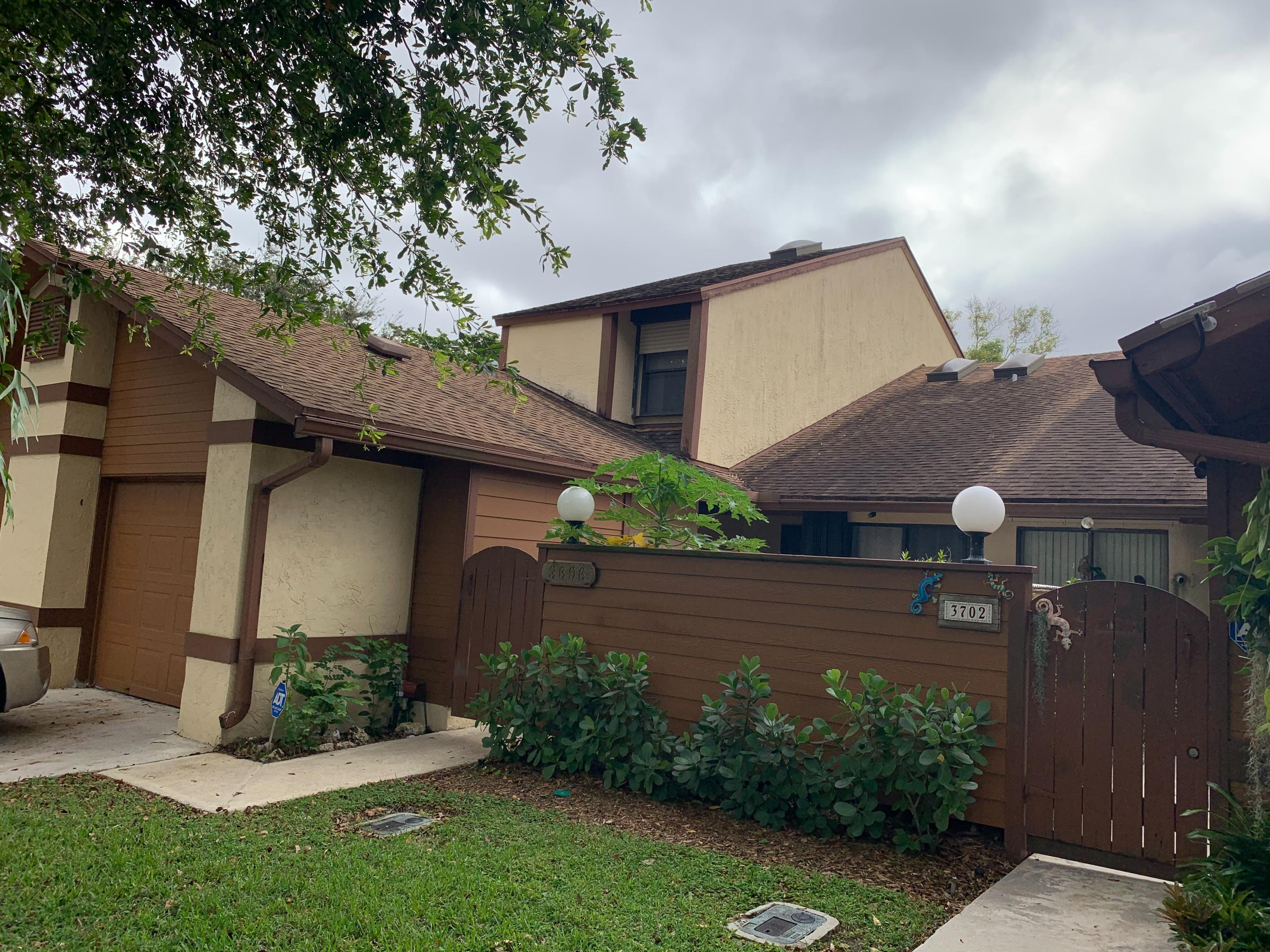 3696 S Timberline Drive  For Sale 10673534, FL