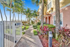 147 Harbors Way Boynton Beach FL 33435