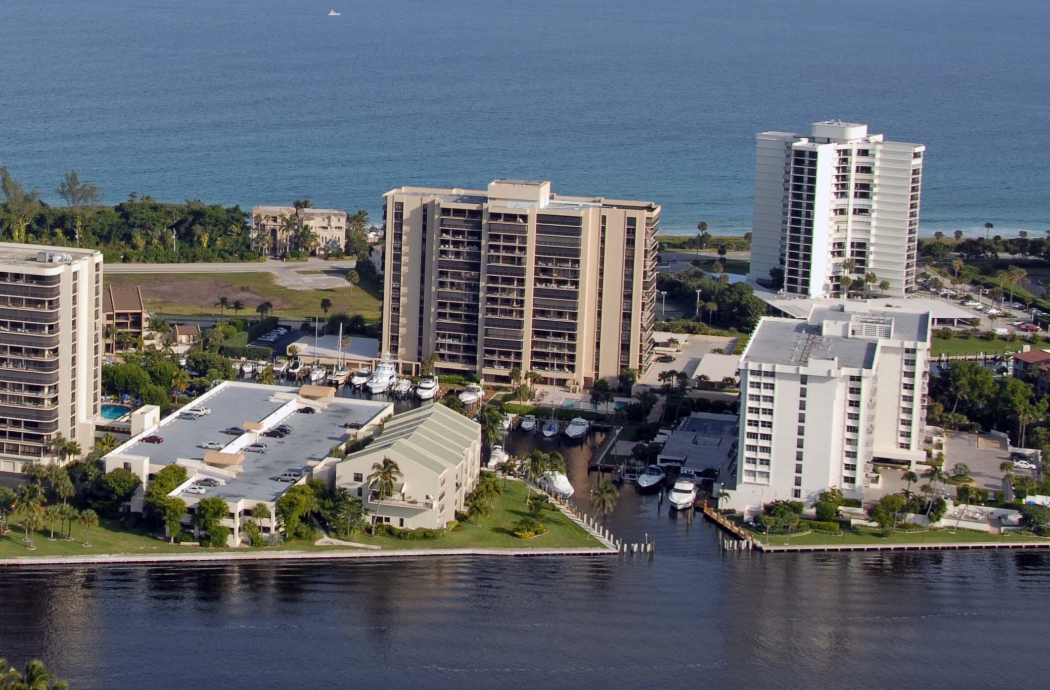 4748 S Ocean Boulevard 403 For Sale 10673784, FL