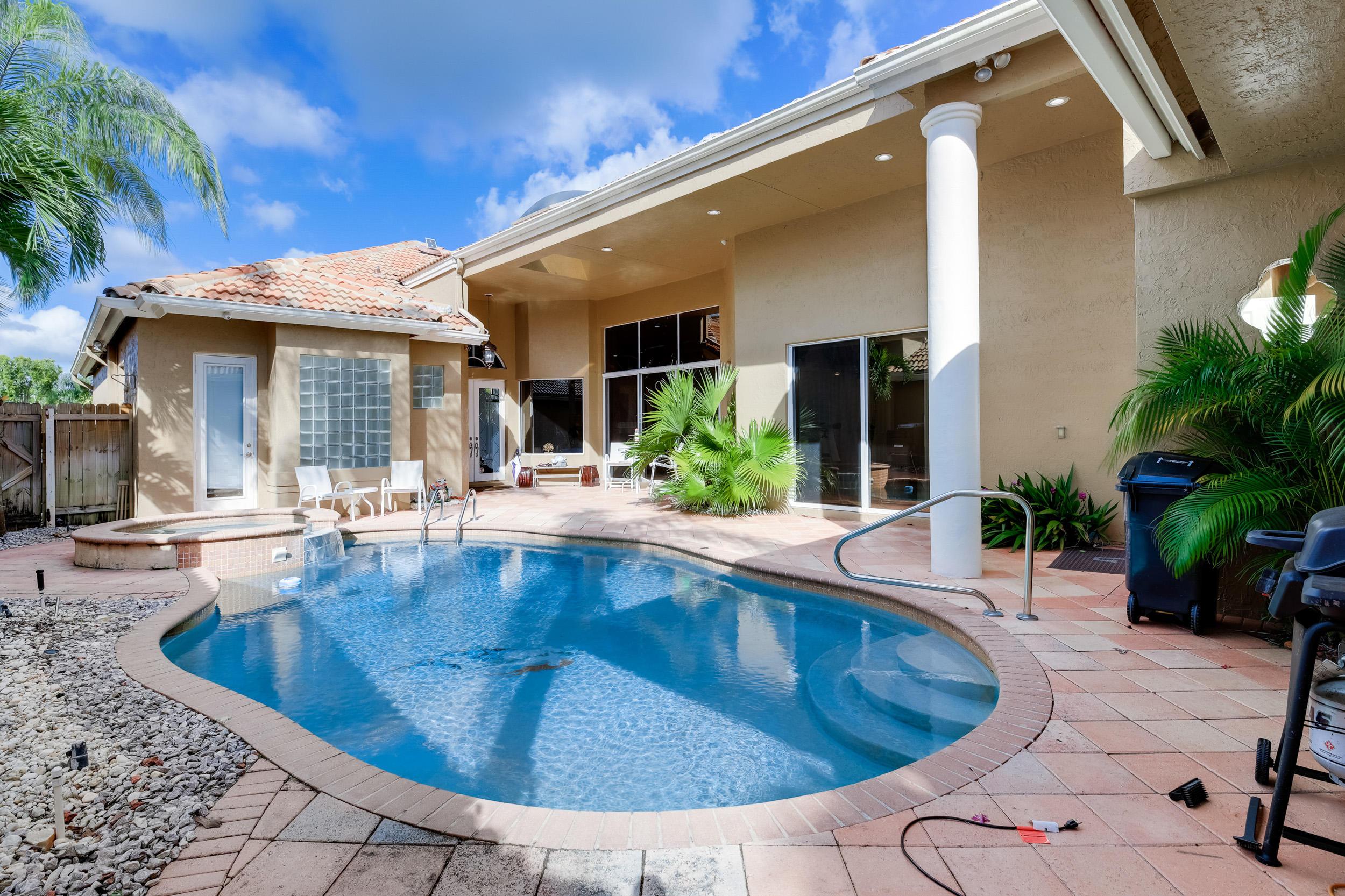 Image 6 For 10766 Greenbriar Villa Drive