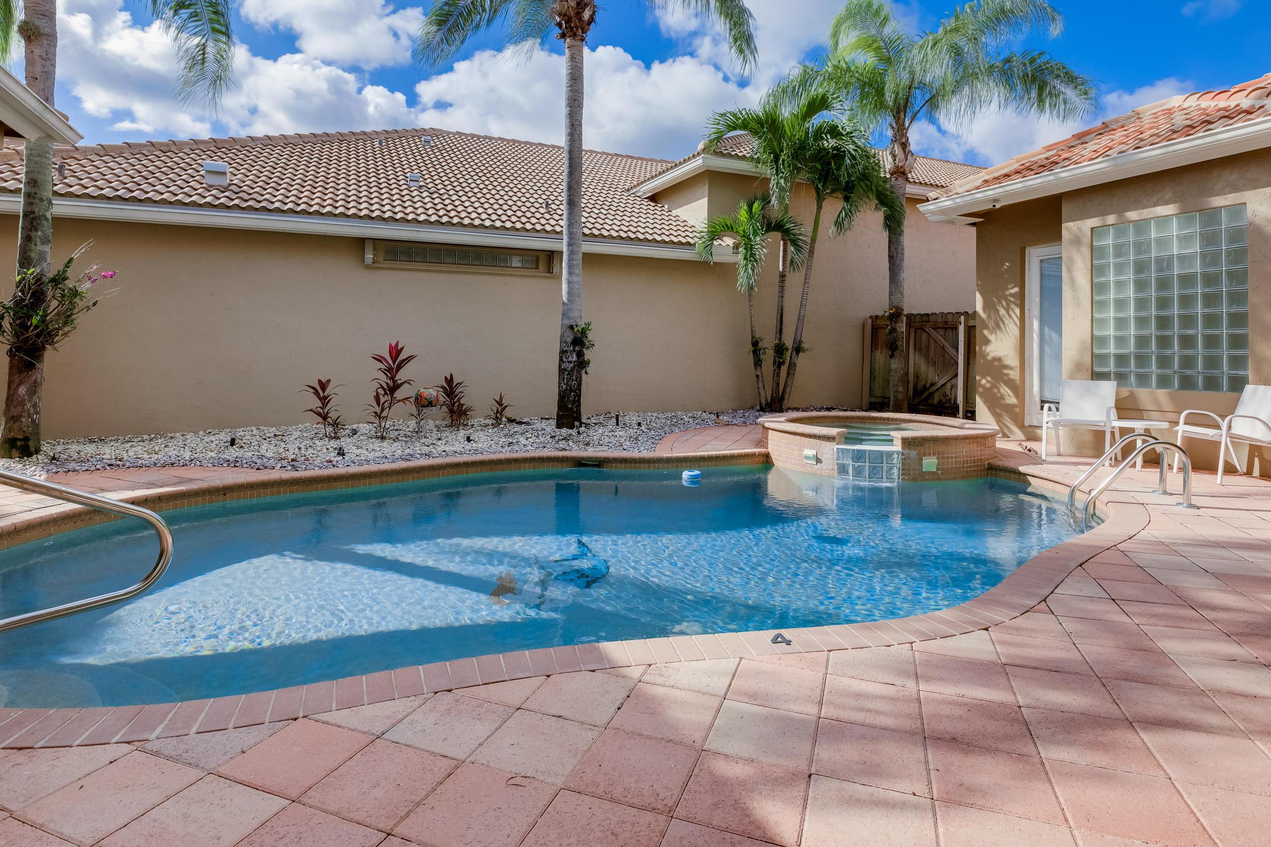 Image 4 For 10766 Greenbriar Villa Drive