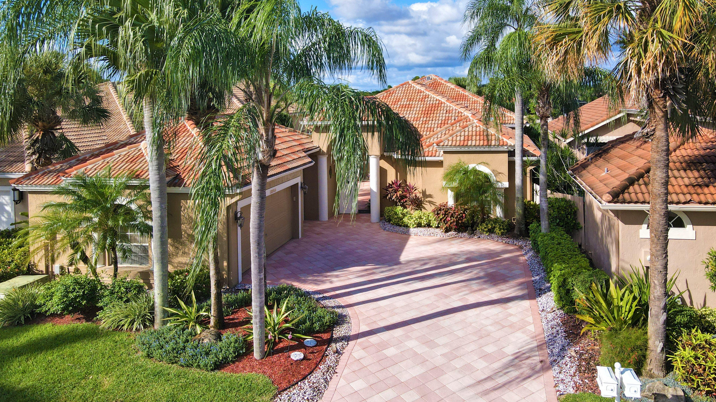 Image 2 For 10766 Greenbriar Villa Drive