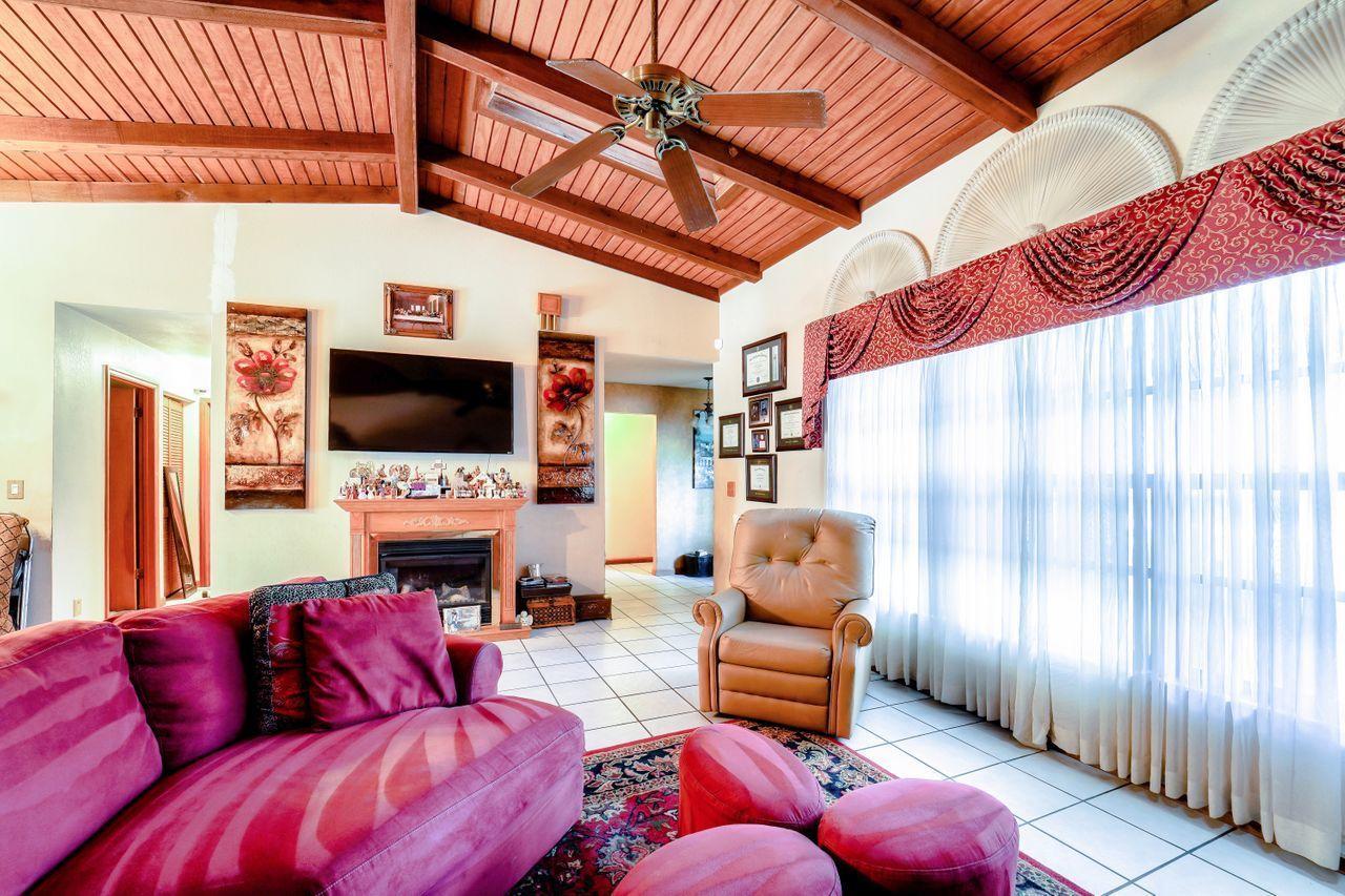 Image 3 For 6567 Venetian Drive