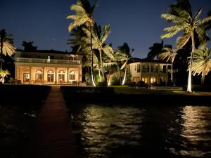 3240 nightview waterfront