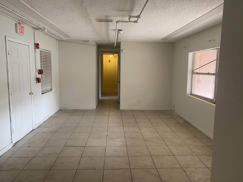 Image 4 For 715 Douglass Avenue