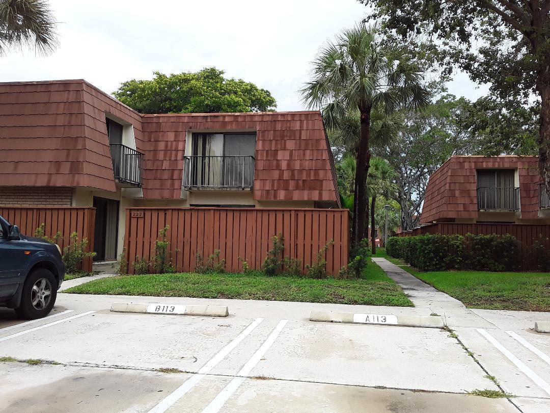 222 Live Oak Lane, Boynton Beach, Florida 33436, 2 Bedrooms Bedrooms, ,2 BathroomsBathrooms,Rental,For Rent,Live Oak,RX-10674392