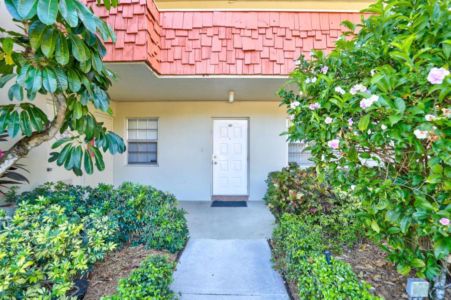 903  Cypress Terrace 103 For Sale 10674463, FL