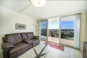 3546 S Ocean Boulevard, 914, South Palm Beach, FL 33480