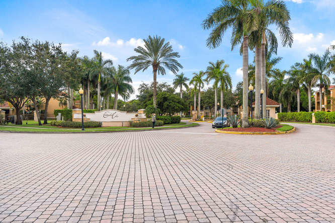 4101  San Marino Boulevard 304 For Sale 10637099, FL