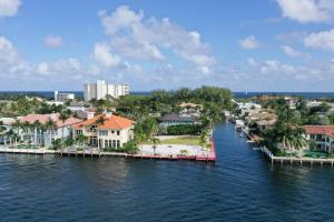 1004 Rhodes Villa Avenue Delray Beach FL 33483