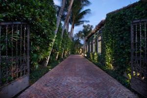 1465 N Ocean Boulevard Gulf Stream FL 33483