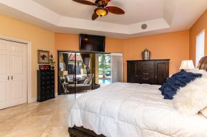 6550 Newport Lake Circle Boca Raton FL 33496