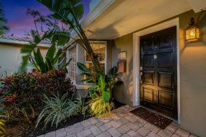 350 Sw 13th Street Boca Raton FL 33432