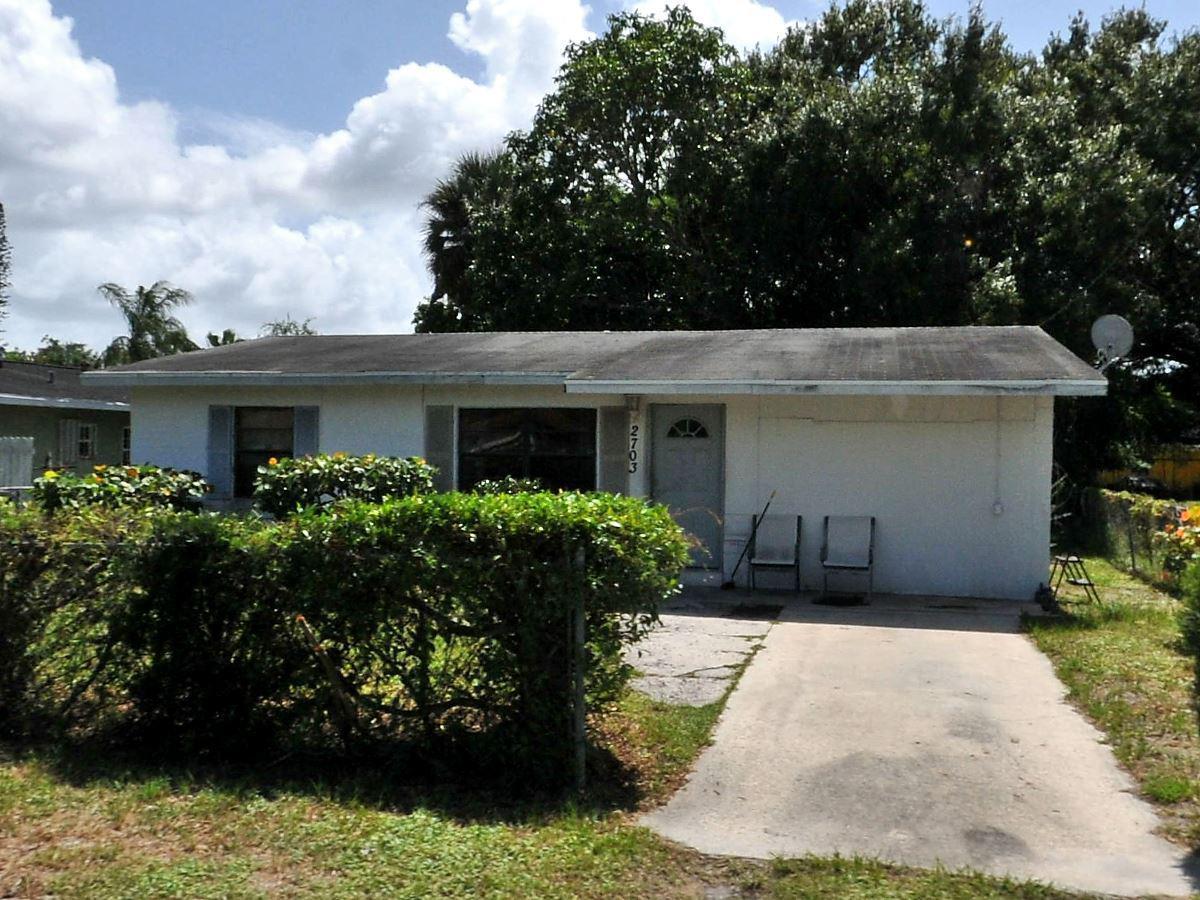 Listing Details for 2703 Avenue E, Fort Pierce, FL 34947