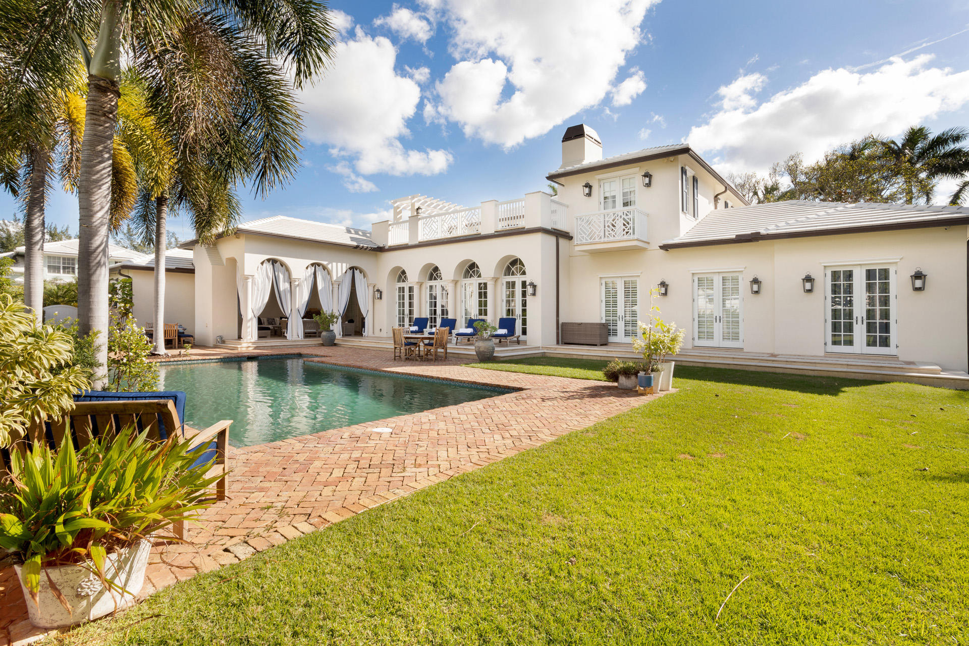 201  Lakeview Drive  For Sale 10676427, FL