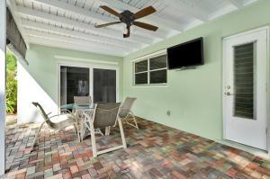 2585 Sw 10th Circle Boynton Beach FL 33426