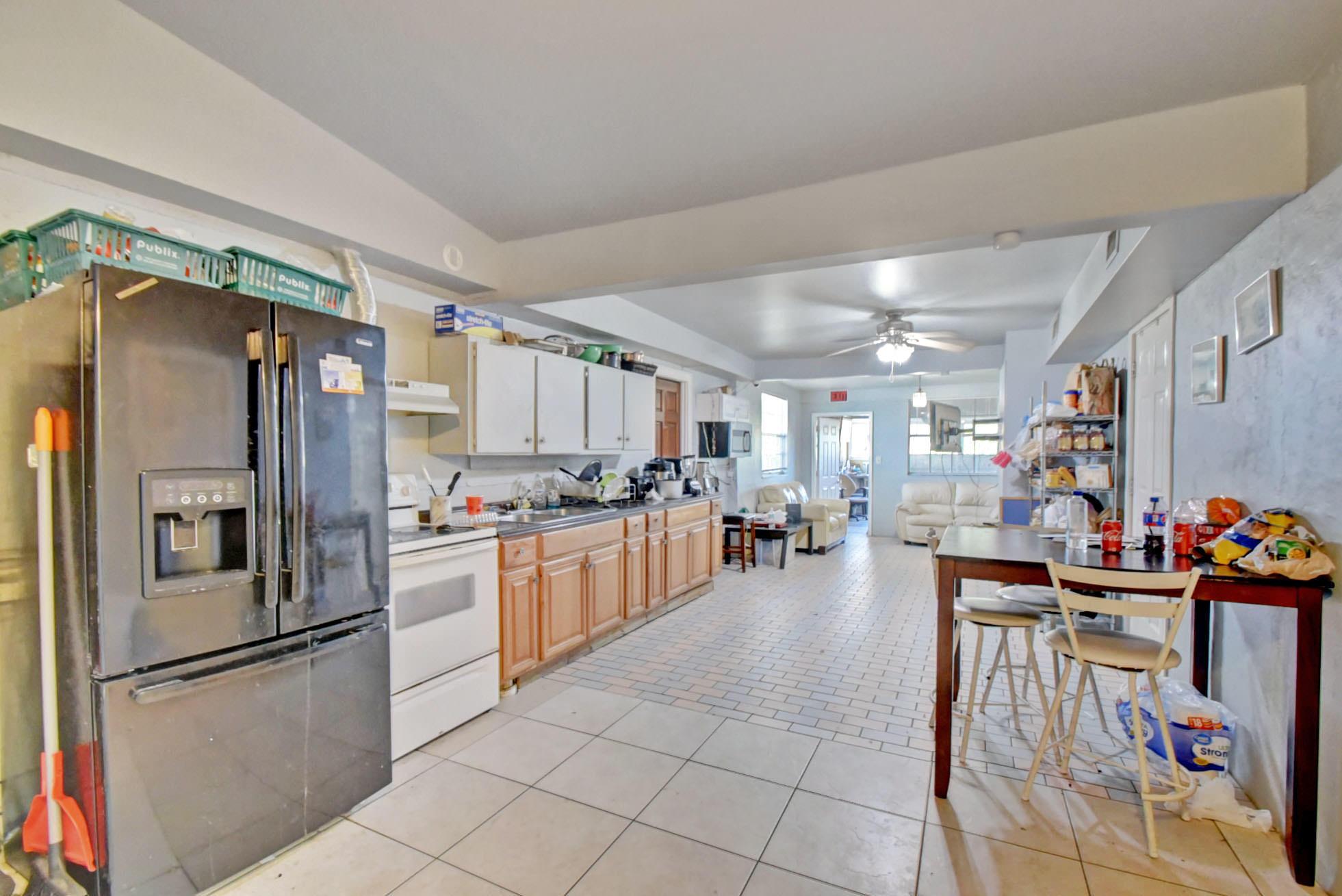 625 SE 4th Avenue  For Sale 10677307, FL