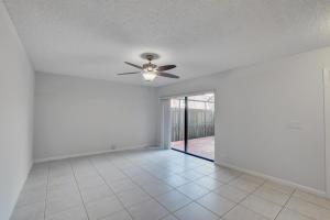 7727 Courtyard Run Boca Raton FL 33433