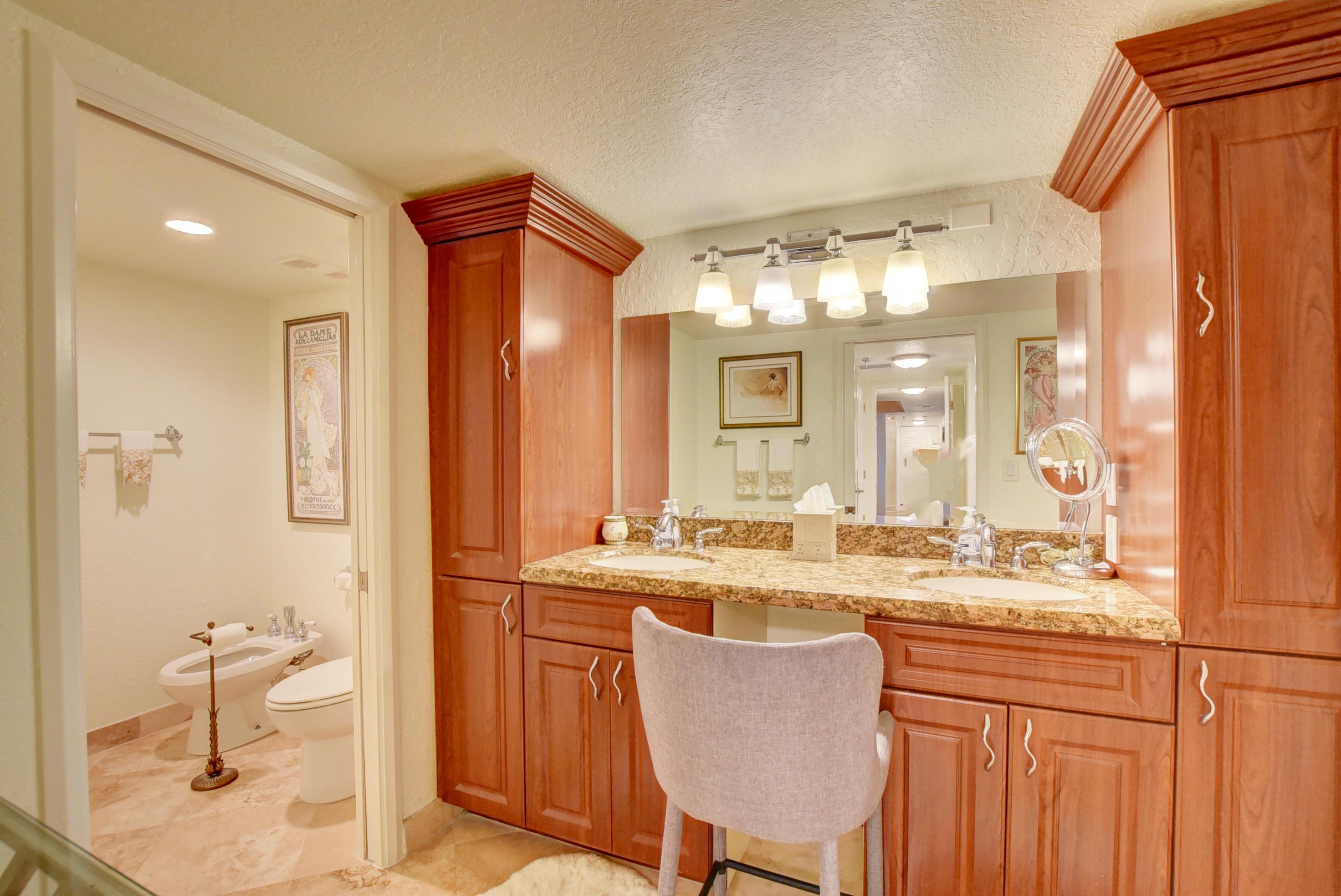 20080 Boca West Drive, Boca Raton, Florida 33434, 2 Bedrooms Bedrooms, ,2 BathroomsBathrooms,Residential,For Sale,Boca West,RX-10678058