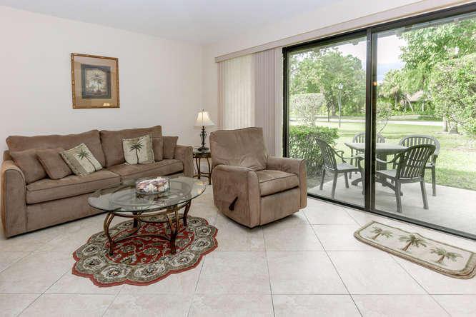220 Club Dr Palm Beach Gardens-small-012